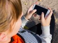 Púposak lehetnek a telefonfüggő gyerekek